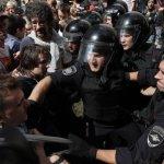 Москвичи назвали виновных в массовых задержаниях на акции оппозиции :: Политика :: РБК